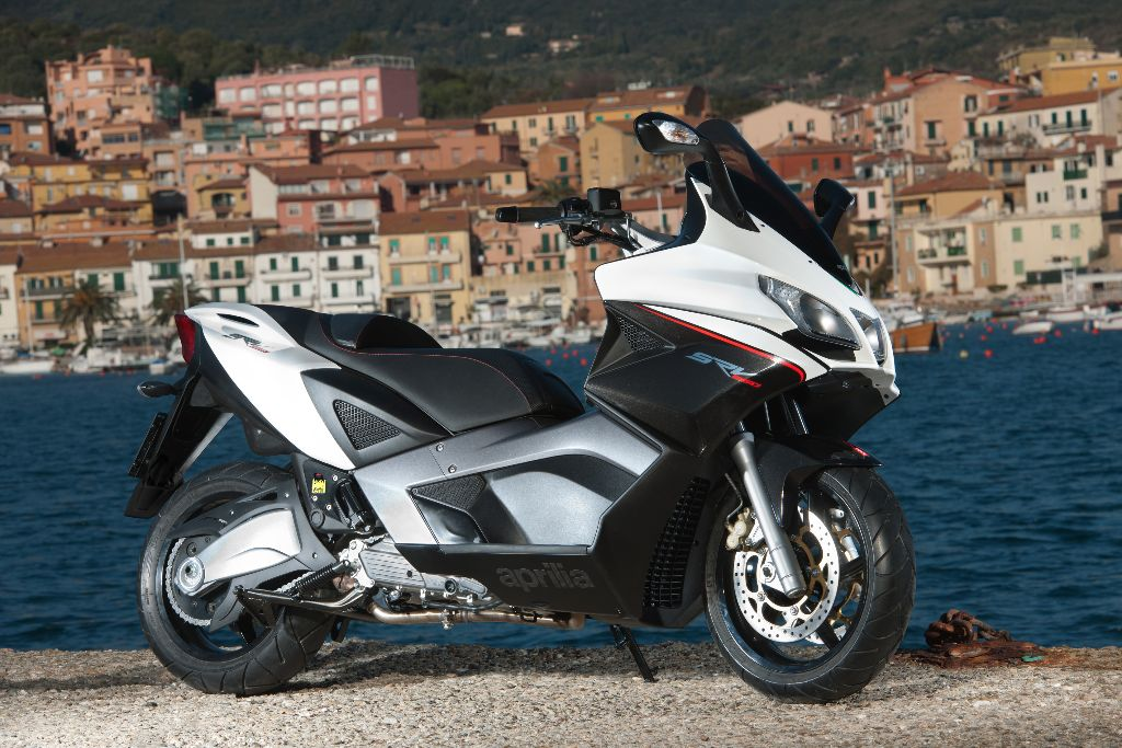 super commuter aprilia srv 850 road tests 2commute. Black Bedroom Furniture Sets. Home Design Ideas