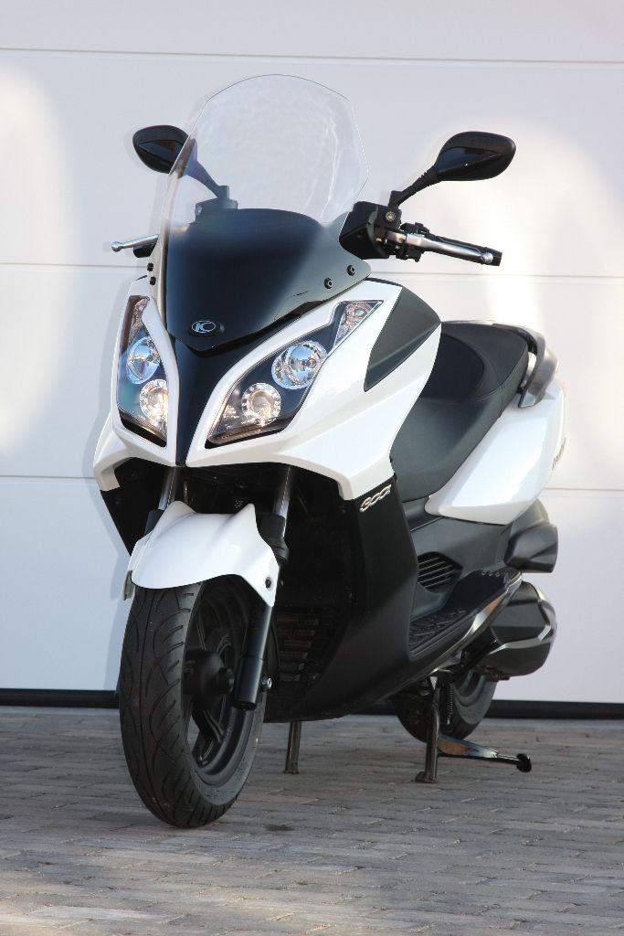 מעולה Kymco Downtown 300i » Road Tests » 2Commute UT-77