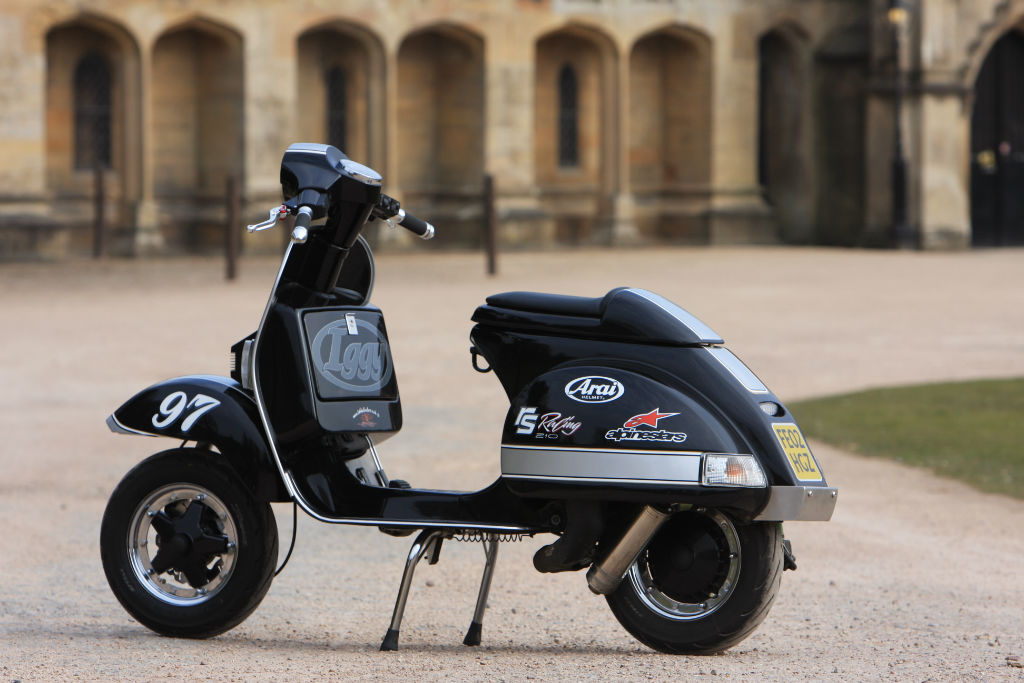 the timeless vespa px road tests 2commute. Black Bedroom Furniture Sets. Home Design Ideas