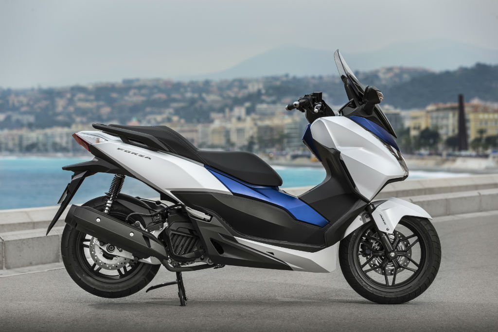honda forza 125 first uk road test road tests 2commute. Black Bedroom Furniture Sets. Home Design Ideas